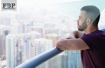 FBP - 40,000 People Apply For 'World's Coolest Job' As Australian Millionaire's Assistant